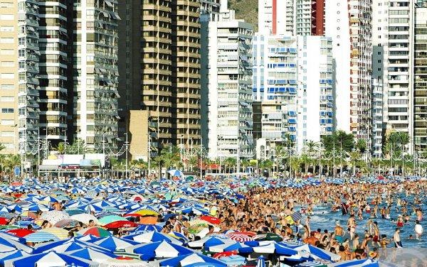 İspanya'nın insanı tatilden soğutan plajı: Levante