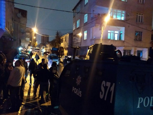 Küçükçekmece'de silahlı kavga: 1 ölü 1 yaralı